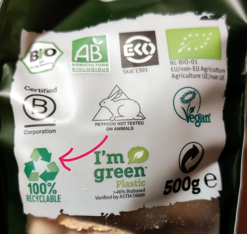 Yarrah Organic Pet Food packaging is 100% recyclable packaging